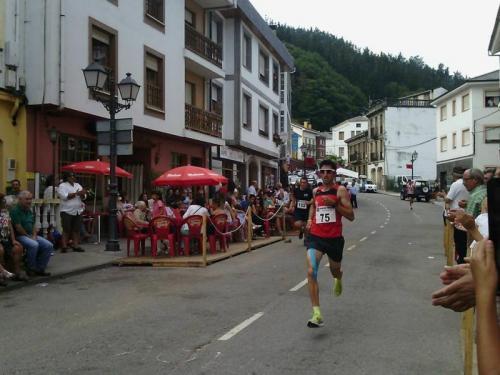 Ian, Nico e Carmen vencen na VIII Carreira Popular Monte de Santa Cruz de Ribadeo. Atletismo Lourenzá, SUBCAMPIÓN POR EQUIPOS