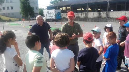 UNOS CIEN JÓVENES PARTICIPARON EN EL CIRCUITO DE EDUCACIÓN VIAL QUE SE DESARROLLÓ EN EL MERCADO COMARCAL GANADERO